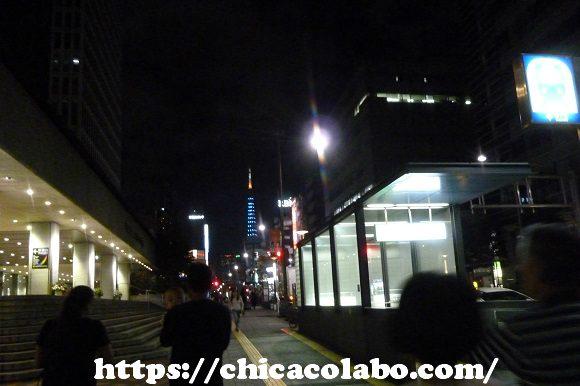 浜松町駅前から見た東京タワー